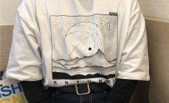 Как стилизовать футболку с собственным принтом?